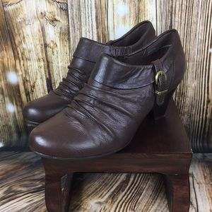 Bare traps brown leather bootie sz 8 Rallie style